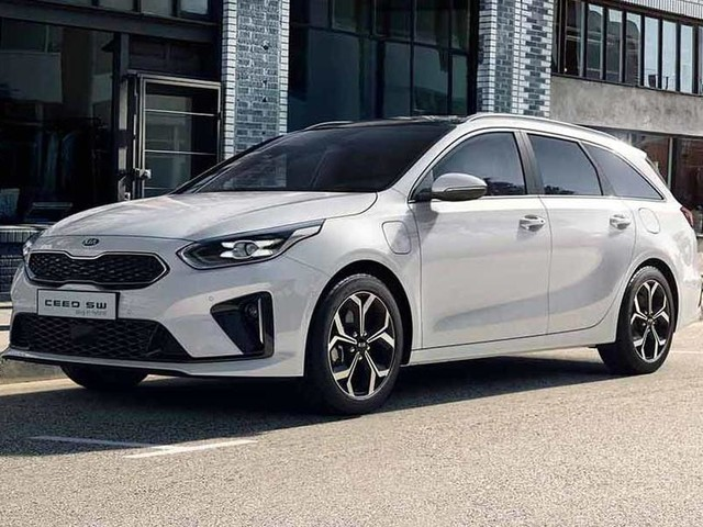 Kia Ceed Sportswagon and XCeed plug-in hybrids revealed