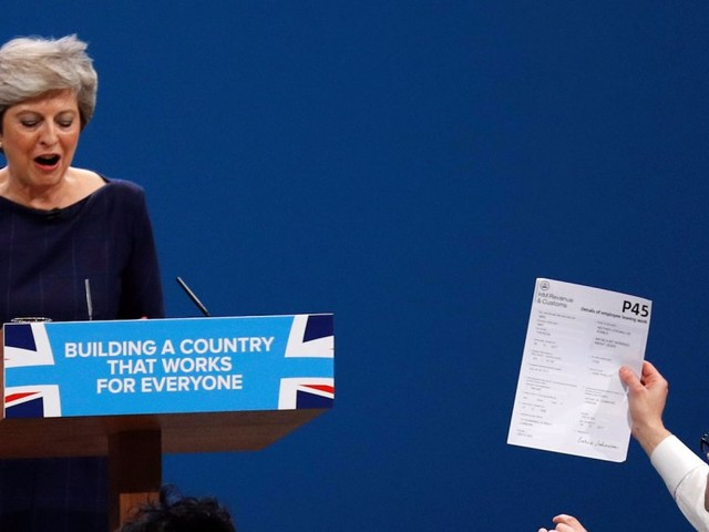 Theresa May tells Tories 'I am sorry' for election failure