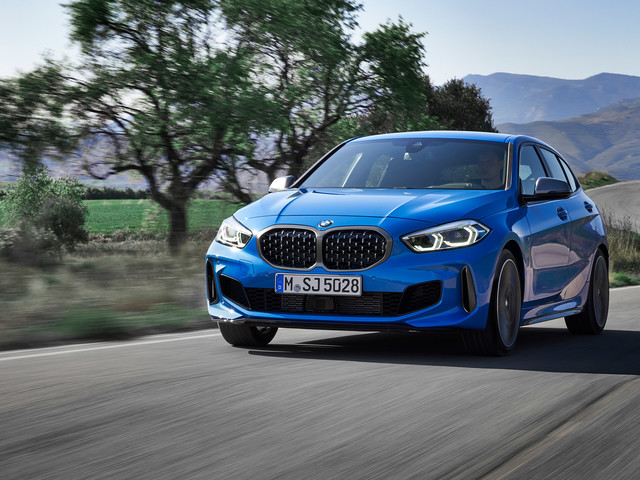 New 2019 BMW 1-series unveiled, including a hot Golf R-rivalling M135i