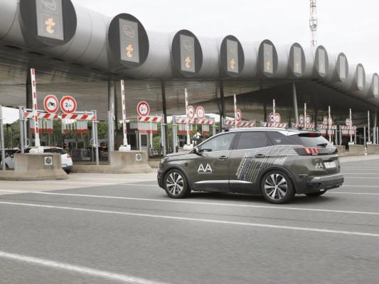 Groupe PSA and VINCI Autoroutes test new autonomous vehicle features