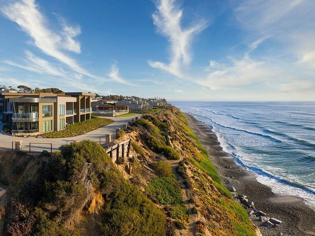 15 incredible beach hotels in California including family-friendly resorts, boutique inns, and lavish adults-only enclaves