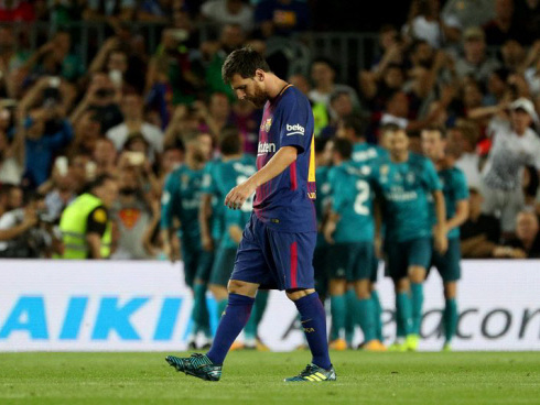 Barca left floundering as gap to Madrid grows