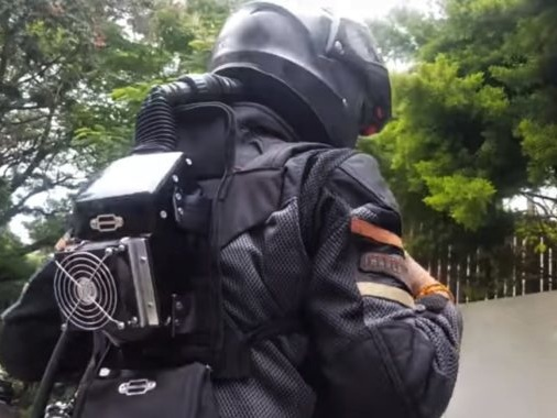 Called Vatanukul, This Piggyback Helmet Airconditioner Is Seriously Cool