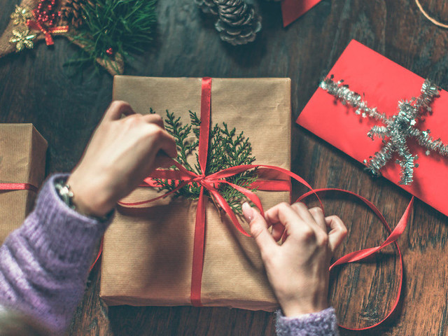 Christmas Gifts For Women 2017: Beauty Products, Gadgets, Jewellery And More