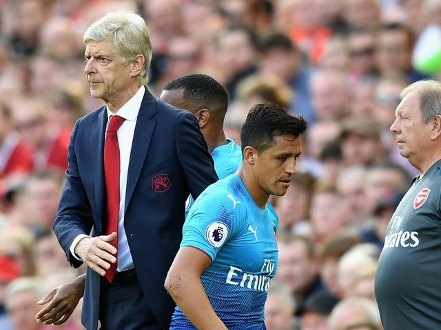 Arsene Wenger takes aim at Alexis Sanchez by insisting he's only quitting Arsenal to join Manchester United for money