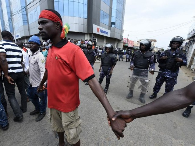 Netizen Report: Togo Government Shuts Down Internet, Texting as Protests Escalate