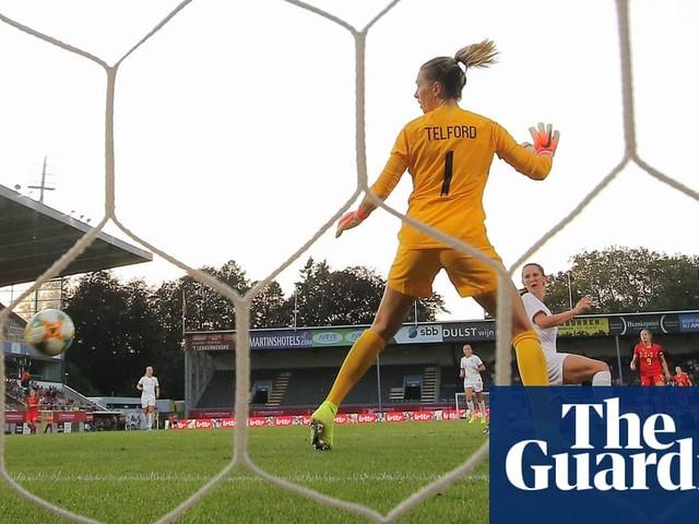 England friendlies spotlight defensive woes but Phil Neville deserves time   Suzanne Wrack