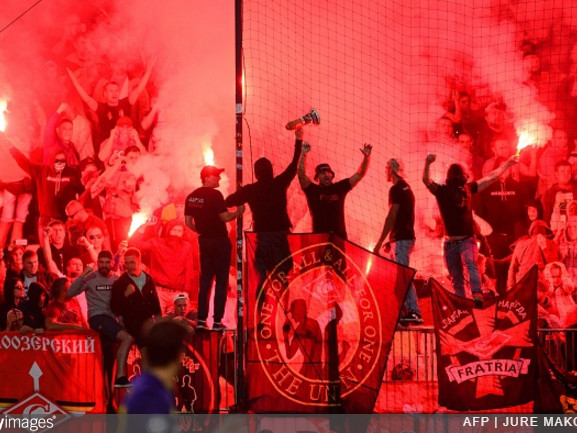 Champions League: Spartak Moscow Fan Shoots Flare Gun At Referee During Match Against Maribor (Video)
