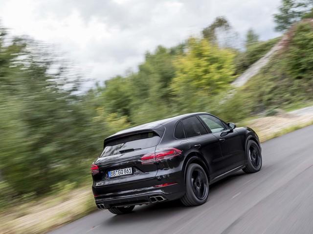 First ride: 2017 Porsche Cayenne Turbo