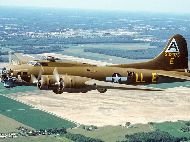 WWII icon: A closer look at the legendary B-17 Flying Fortress - CNET