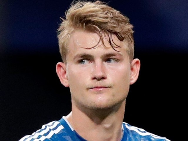Man Utd line up shock transfer for unsettled ace Matthijs de Ligt… and Paul Pogba could leave in Juventus swap deal