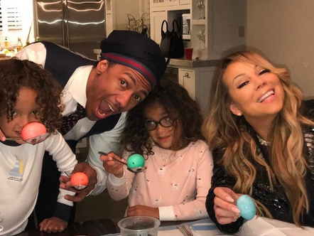 Mariah Carey & Nick Cannon Reunite to Dye Easter Eggs with their Twins!