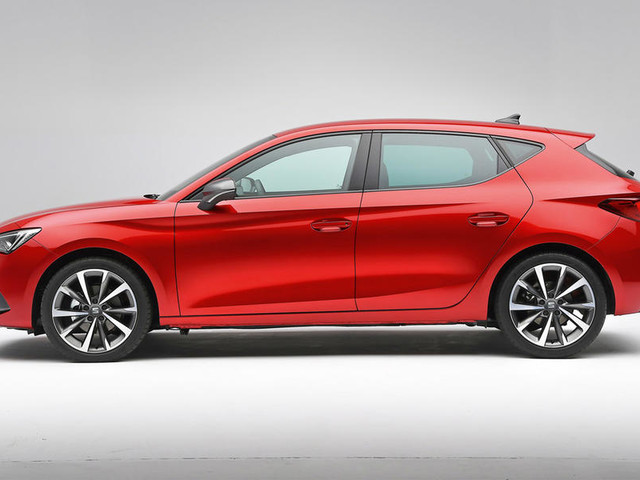 2020 Seat Leon launches with major tech gains and hybrid power