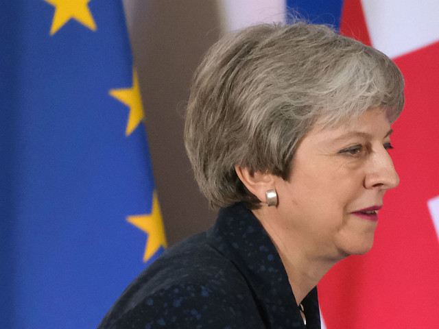 Theresa May to set departure date in last throw of Brexit dice