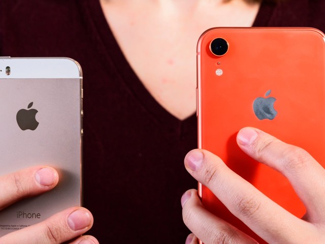 How to transfer all of your contacts from one iPhone to another using iCloud