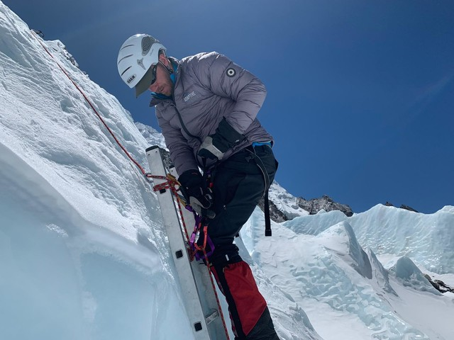 Ex-para's mission to conquer Mount Everest in epic world challenge