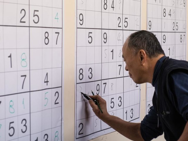 Can Playing Sudoku Or Crosswords Improve Brain Health?