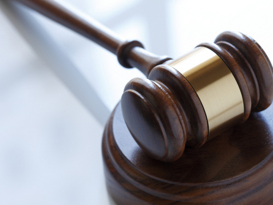 Former receptionist claims trial to providing unlicensed dental service