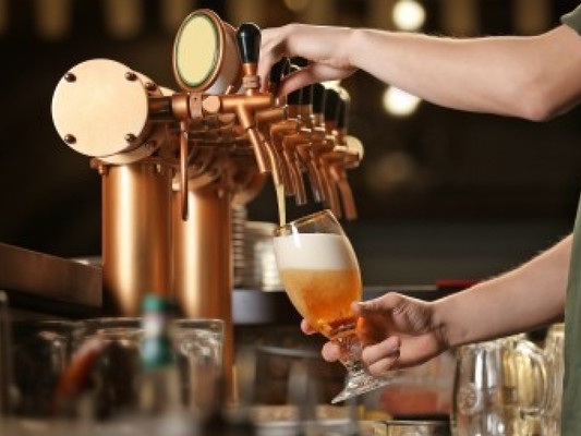 Decision to delay pubs reopening will be met with 'fury and despair', publican reps say