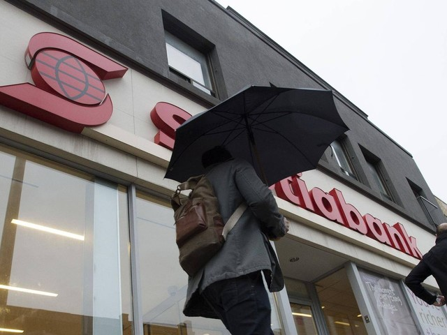 """Scotiabank customers confused by """"zombie"""" credit cards after glitch"""