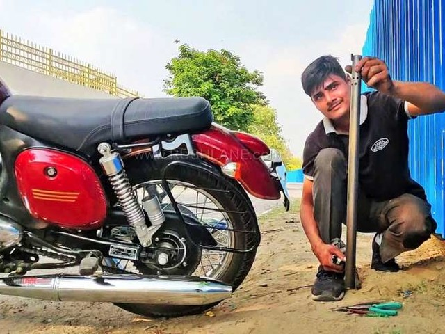 Jawa Owner Modifies Exhaust To Get Royal Enfield Like Thumping Sound – Video