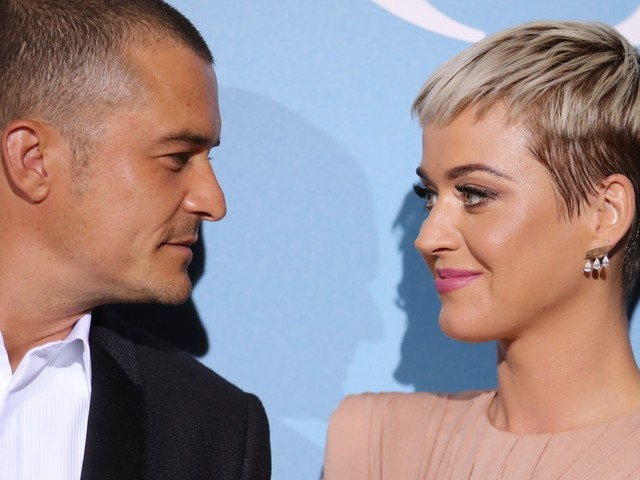Katy Perry & Orlando Bloom's Body Language In Their Engagement Picture Is Intense
