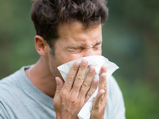 Hay Fever Getting You Down? Here Are 22 Doctor-Approved Tips To Keep Symptoms At Bay