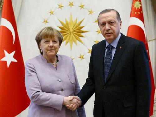 Berlin freezes arms shipments to Turkey: Report