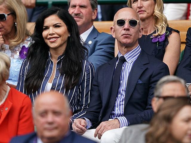 Jeff Bezos & Lauren Sanchez made their loved-up couple debut at Wimbledon