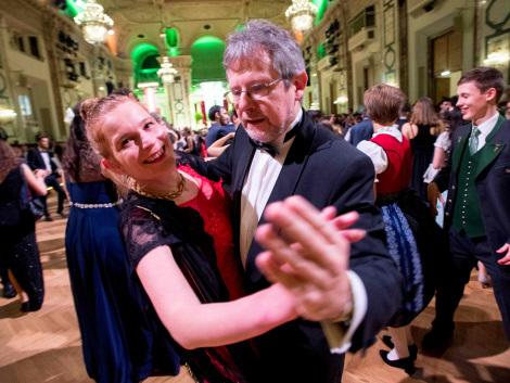 Hail a partner: Vienna 'taxi dancers' waltz in for ball season