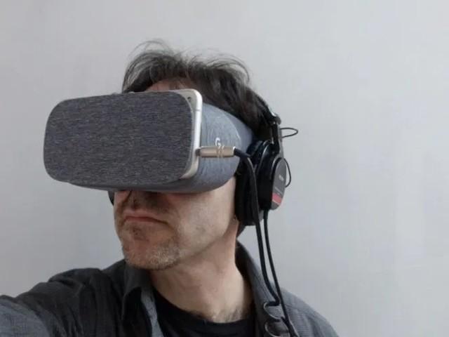 Google's Daydream VR platform is (all but) dead