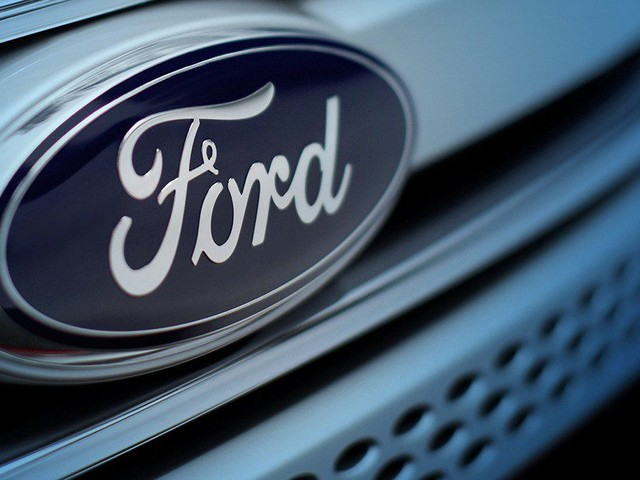 Ford CFO Bob Shanks Departing by Year's End: Sources