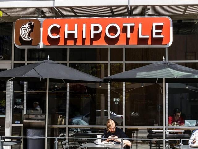 Wall Street's top crypto experts — Restaurant banker shakeup — SVB's hiring push