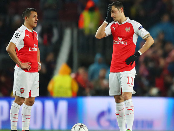 Sanchez struggling because of failed Man City move, says former Arsenal defender