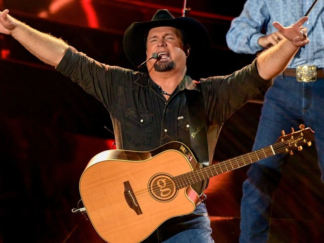 Garth Brooks Is Only Playing to Vaccinated Friends in Low Places