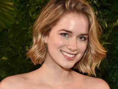 Who Is Elizabeth Lail? New Details On The Actress Who Plays Beck In 'You' On Netflix
