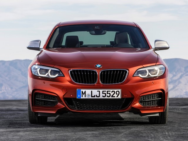 The BMW 230i evokes the spirit of the BMW 2002