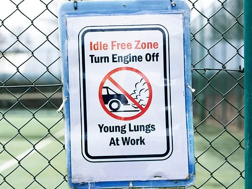 Quarter of parents leave their car engines idling outside schools