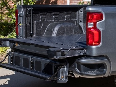 This Is the Chevy Silverado Multi-Flex Tailgate and What it Can Do