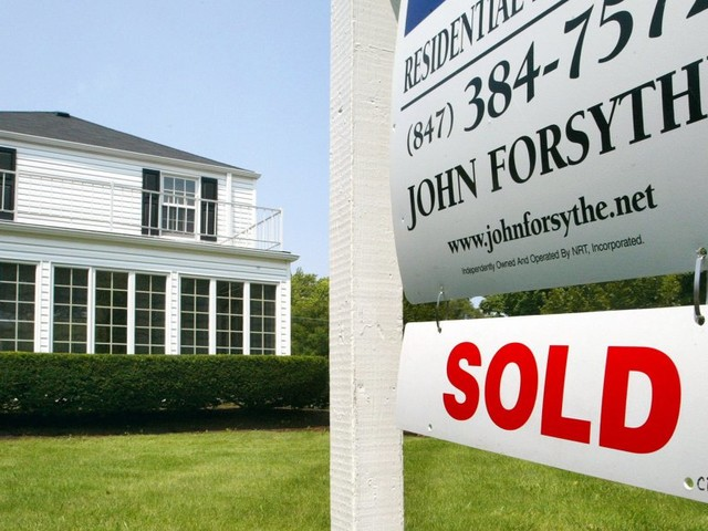 10 secrets no one tells you about buying a home before you sign