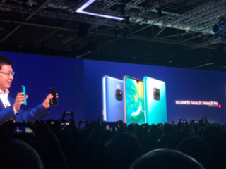 Huawei's Mate 20 Pro can wirelessly charge your iPhone