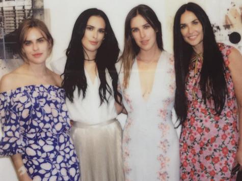 Demi Moore & Daughters: Girls' Getaway