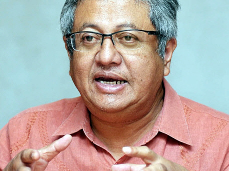 Zaid defends remarks over AirAsia X pilot's actions