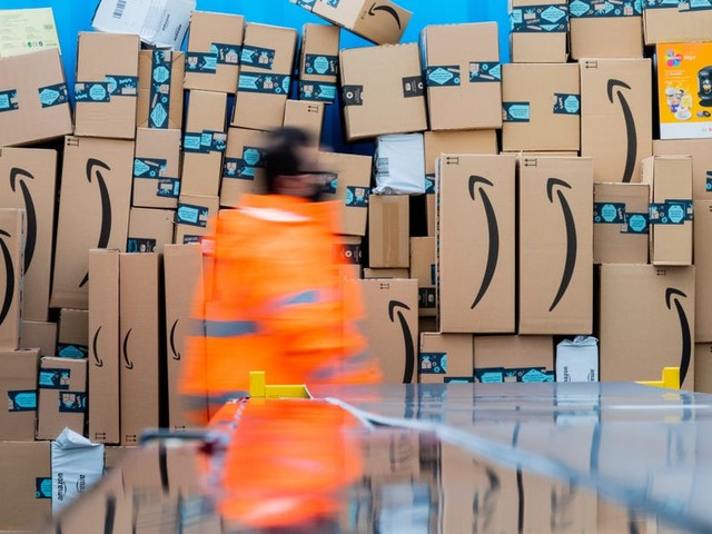 Amazon delivery drivers say there's a 'giant war' between them and the company as they struggle to meet package quotas (AMZN)