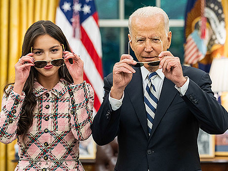 Olivia Rodrigo Says Meeting President Joe Biden Was 'So Crazy' & Reveals What He Gifted Her