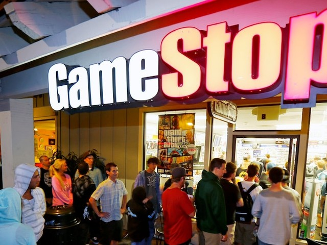 'Big Short' legend Michael Burry recently unveiled a bullish bet on GameStop — but the retailer's shares are plummeting after a dismal earnings report (GME)