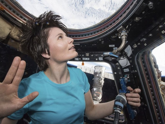 What's life like in space? Astronauts share moving memories in new film - CNET