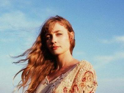 Alexandra Savior – The Archer