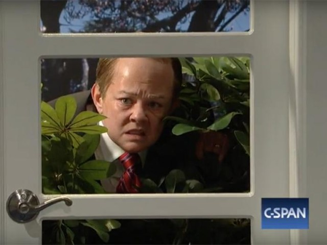 Melissa McCarthy's Sean Spicer Gets Lost in the Bushes on Saturday Night Live