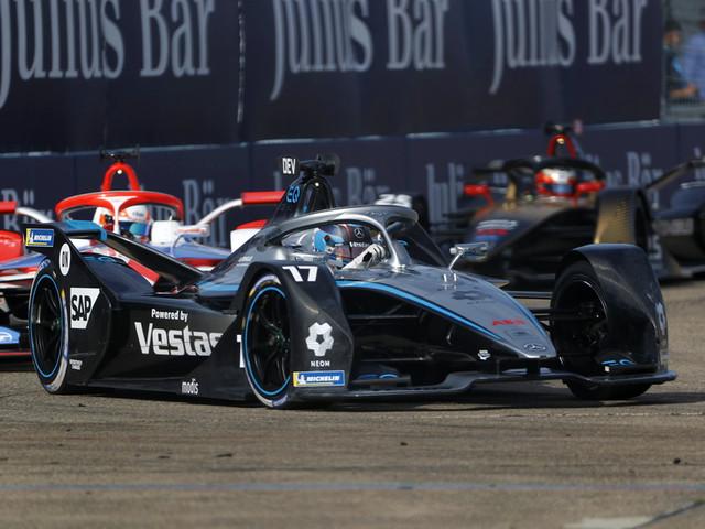 Mercedes, Nyck de Vries crowned 2021 Formula E champions